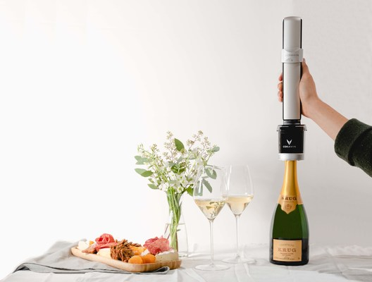 Sistema de conservación de vino espumoso Coravin Sparkling™ (PRNewsfoto/Coravin)